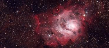 Messier 20 + Messier 8 + okolice